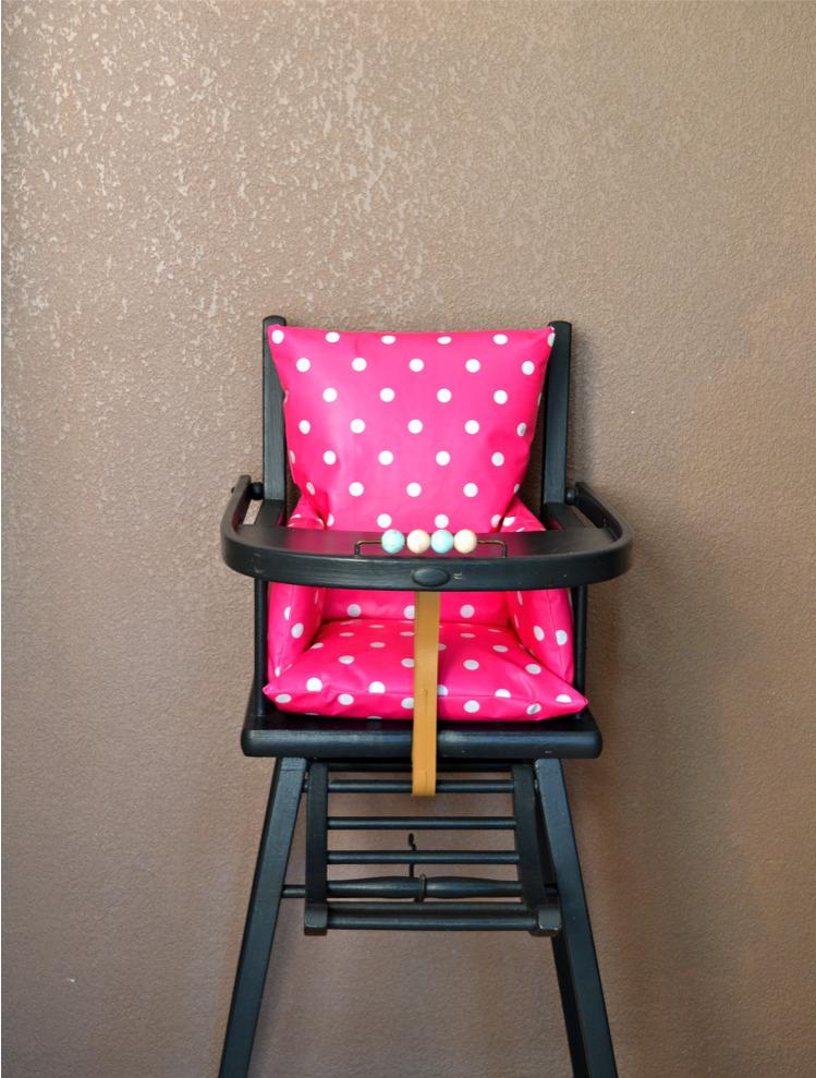 Coussin pour chaise haute b b en bois ouistitipop - Coussin pour chaise bebe ...