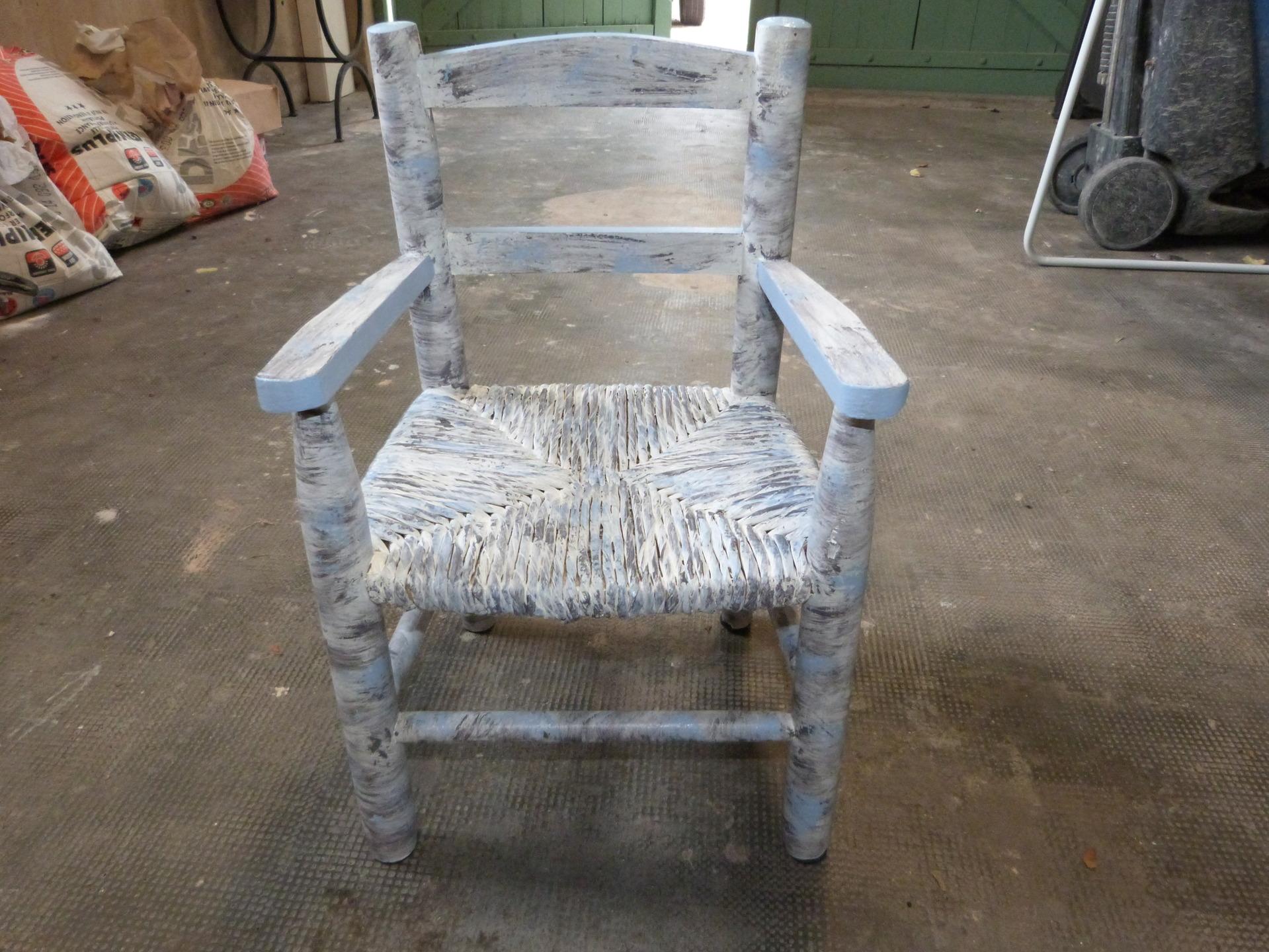meubles-et-rangements-ancienne-petite-chaise-pour-enfant-9296081-p1030077-2e7b5-f6bad_big Meilleur De De Table Basse Enfant Schème