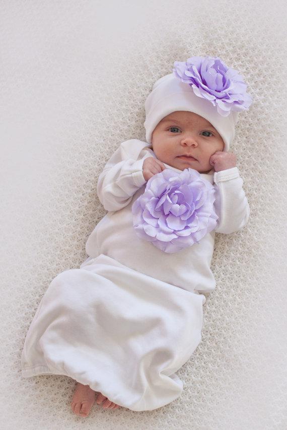 Tenue de bebe fille