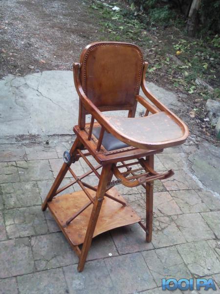 Chaise haute ancienne pour bébé