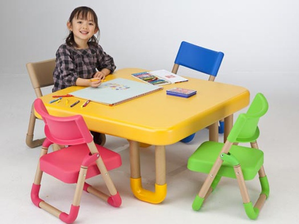 Table a manger enfant