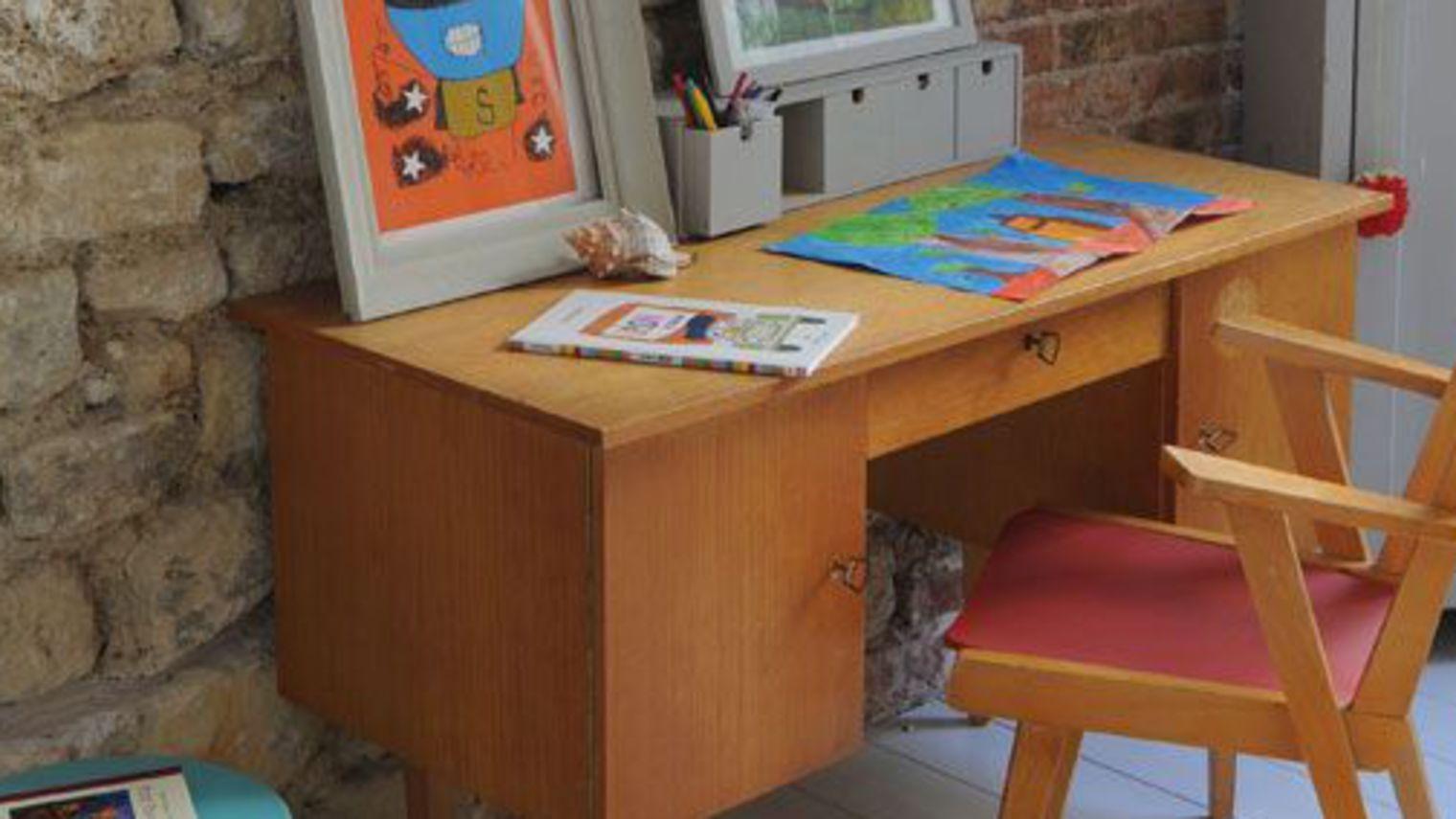 bureau pour chambre d enfant ouistitipop. Black Bedroom Furniture Sets. Home Design Ideas