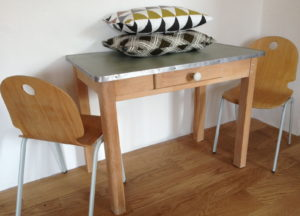 Petite table bois enfant