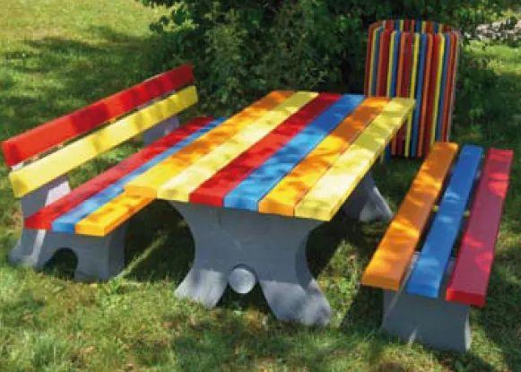 Table exterieur pour enfant