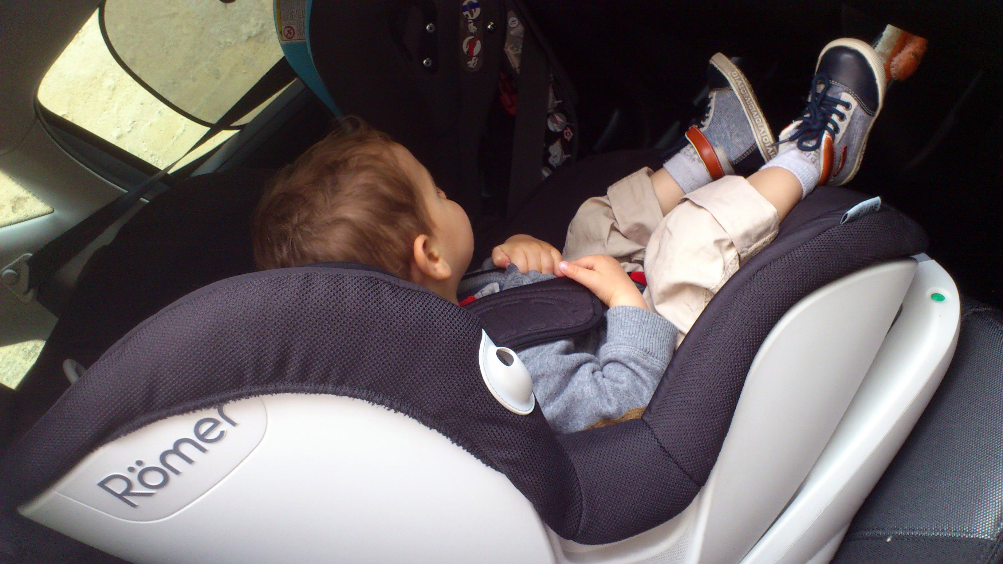 Siege auto pour bebe de 3 mois